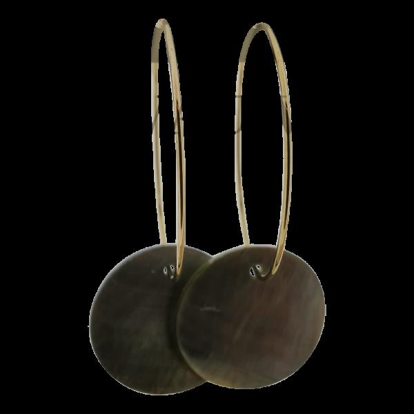 Oorbellen met schelp - Black lip 15mm goud